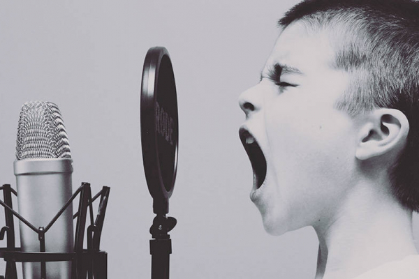 Choosing Your Voice – How the Right Voice Can Influence Callers