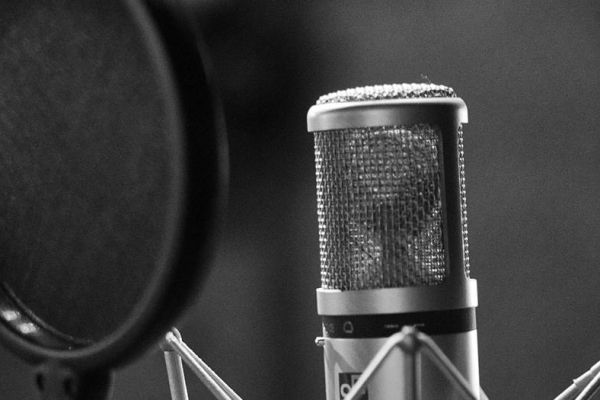 What to Ask Yourself before Hiring Voice Actors Online